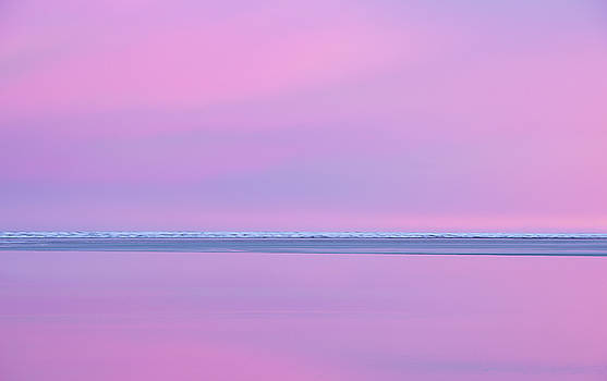 Pastel Shades of an Icelandic  Winter Sunset. by Andy Astbury