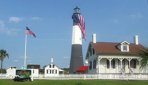 Patriotic Lighthouse by Juliana  Blessington