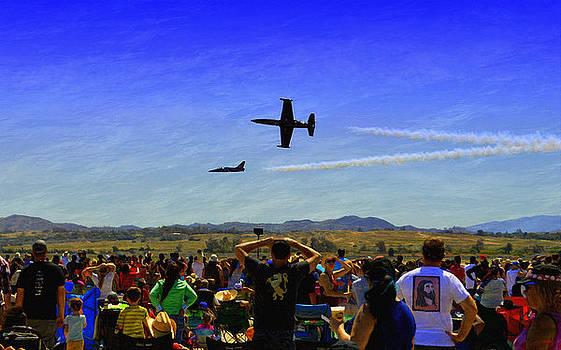 Glenn McCarthy Art and Photography - Patriots Jet Team - Roaring Past