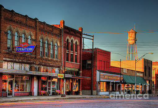 Pauls Valley Downtown by Iris Greenwell