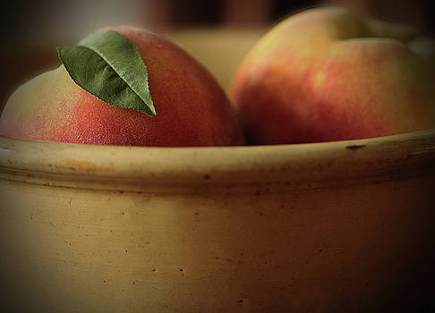 Peaches in Yellowware Bowl by Kelly Lucero