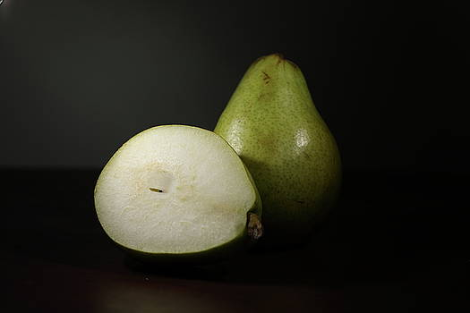 Pear by Hyuntae Kim