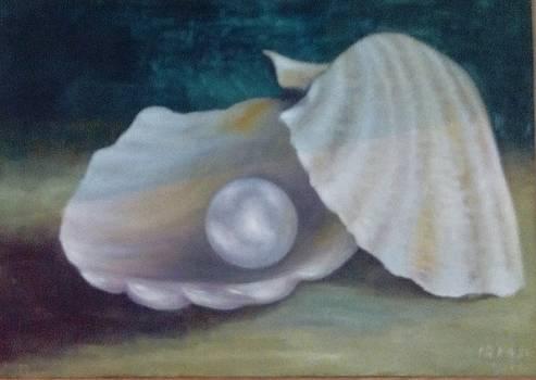 Pearl by Irine Shotadze