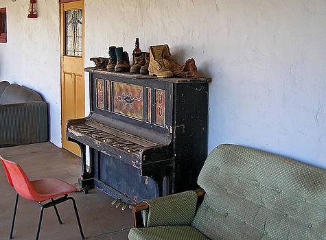 Pearls Piano by John Vriesekolk