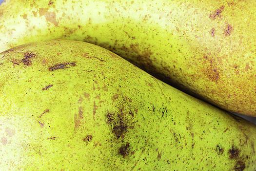 Pears II by Pekka Liukkonen