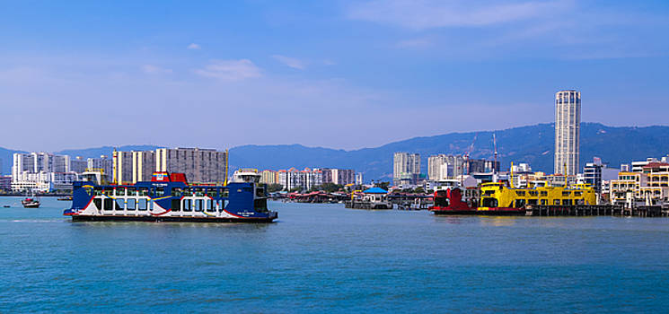 Penang Ferry and Komtar building by Calvin Chan