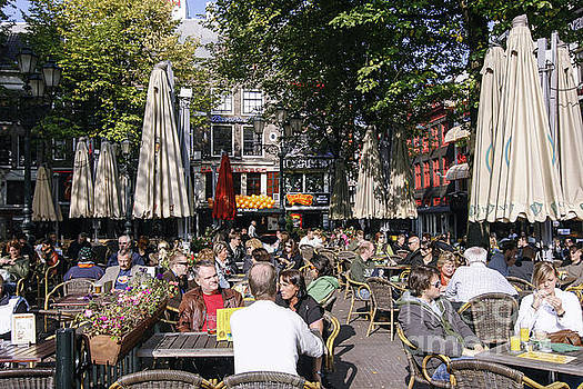 Patricia Hofmeester - People enjoying s sunny day in Amsterdam