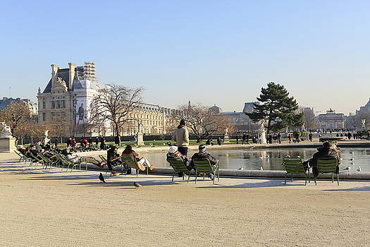 People enjoyring a sunny winter morning by Virginie Blanquart