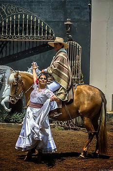Peruvian dance by Dado Molina