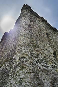 Peveril Castle Looking Up by Scott Lyons