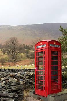 Phone box vertical by Paul Cowan