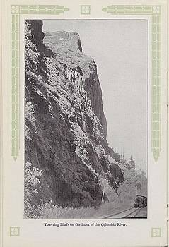 Chicago and North Western Historical Society - Photo of Bluffs On Columbia River From 1915 Travel Brochure