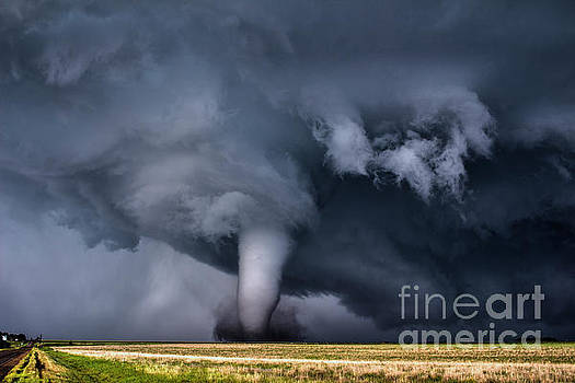 Photogenic Tornado by Francis Lavigne-Theriault