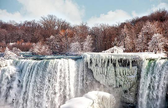Niagara winter by Gouzel -