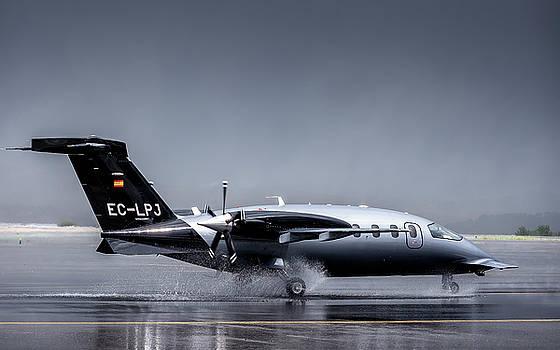 Hernan Bua - Piaggio P-180 Avanti