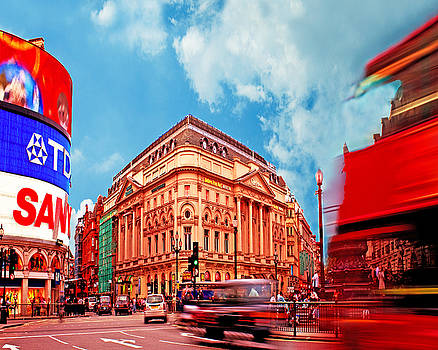 Piccadilly Circus London by Chris Smith