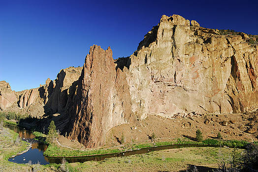 Reimar Gaertner - Picnic Lunch Wall at Smith Rock Oregon and Crooked River