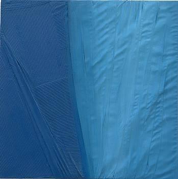 Piegature in azzurro by Elio Scuderi