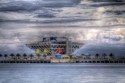Pier House by Larry Underwood