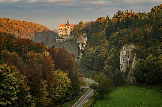 Pieskowa Skala Castle by Swen Stroop