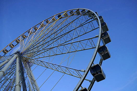 Pigeon Forge Wheel by Laurie Perry