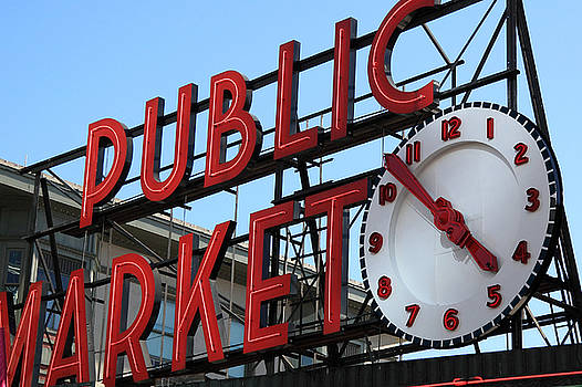 Pike Street Market Clock by Peter Simmons