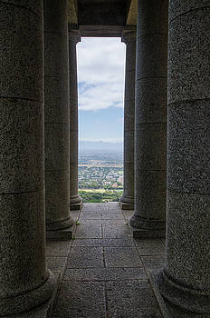 Pillars at the Rhodes Memorial by Rob Huntley