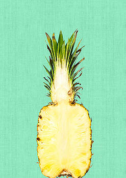 Pineapple and green by Vitor Costa