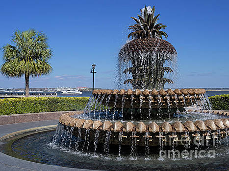 Pineapple fountain in Charleston South Carolina by Louise Heusinkveld