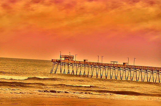 Emily Stauring - Pink Morn Pier