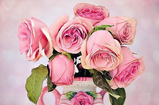 Pink Roses by Yoko Suzuki