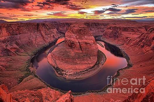 Adam Jewell - Pink Skies Over Horseshoe Canyon