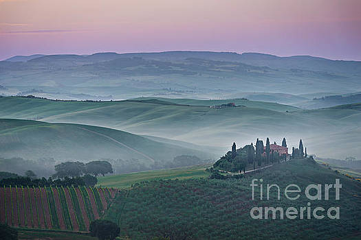 Pink sunrise over Podere il Belvedere in Tuscany by IPics Photography