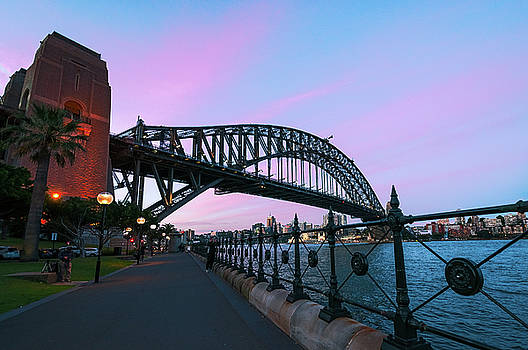Pink sunset in Sydney Harbour by Daniela Constantinescu