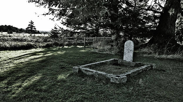 Pioneer Cemetery by Pacific Northwest Imagery