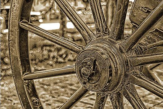 Pioneer Wagon Wheel by Marie Leslie