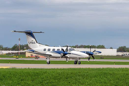 Piper PA-42 Cheyenne 400LS by Guy Whiteley