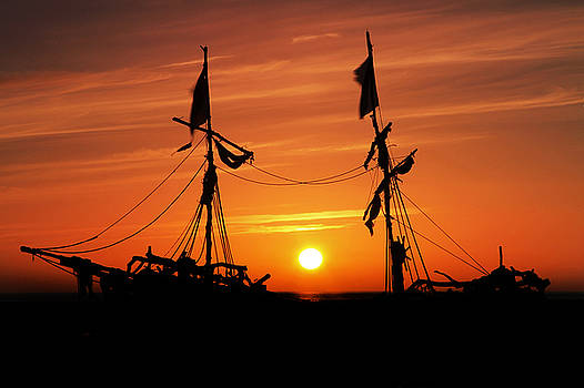 Pirates Sunset Silhouette by David Chennell