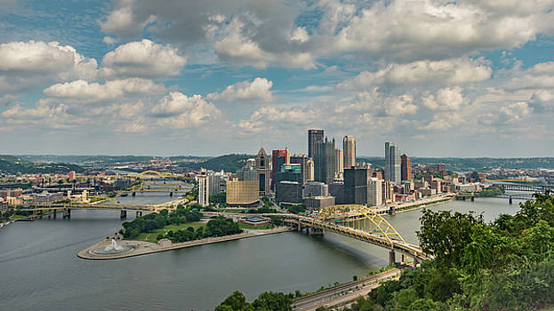 Pittsburg Skyline by Guy Whiteley