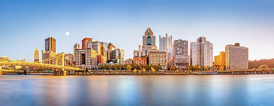 Pittsburgh downtown skyline by Mihai Andritoiu