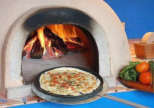Pizza no Forno by Henrique Magro