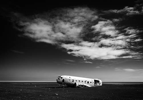 Plane wreck black and white Iceland by Matthias Hauser
