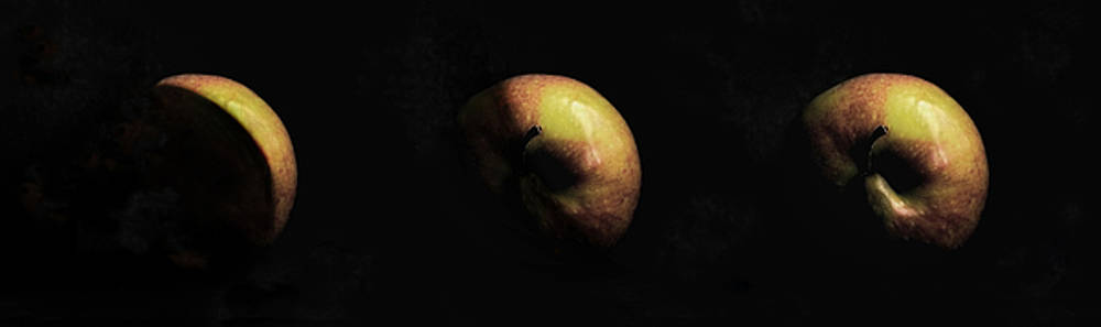 Planet Apple by AugenWerk Susann Serfezi