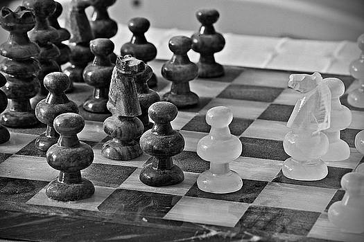Playing chess by Cendrine Marrouat