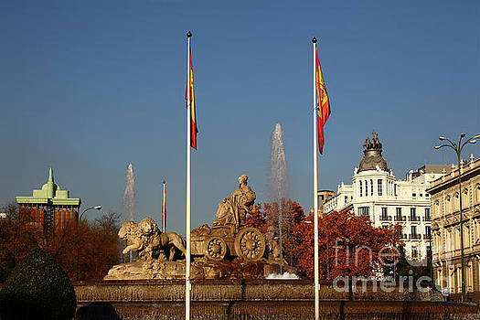 James Brunker - Plaza de Cibeles Madrid