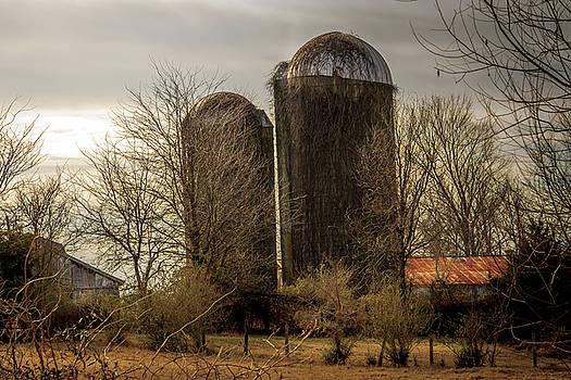 Pleasant Hill Farm by Barry Jones
