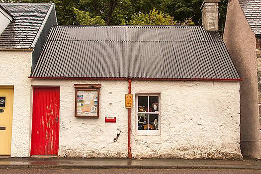 Plockton Cottage by Kathleen McGinley