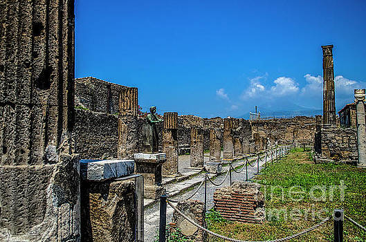 Julian Starks - Pompeii