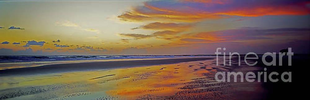 Ponce DeLeon Breakwater Fla  by Tom Jelen
