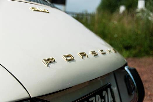 2bhappy4ever - Porsche 911T in gold on white